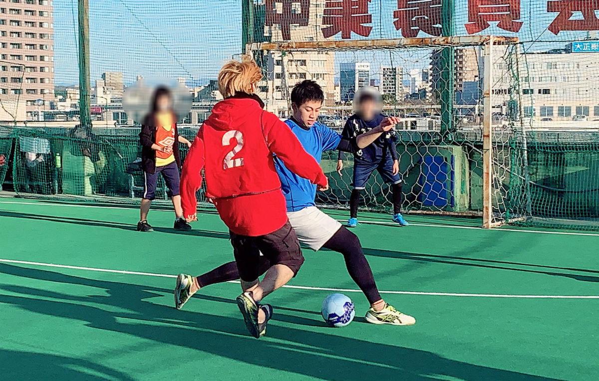 NPO法人全国こども福祉センター:繁華街で出会った若者と一緒に楽しむスポーツイベント