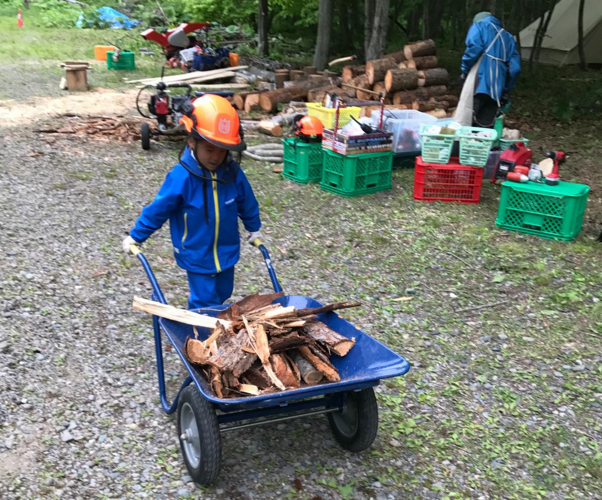 子どもたちにとっての楽しい遊びが森林の整備につながっている