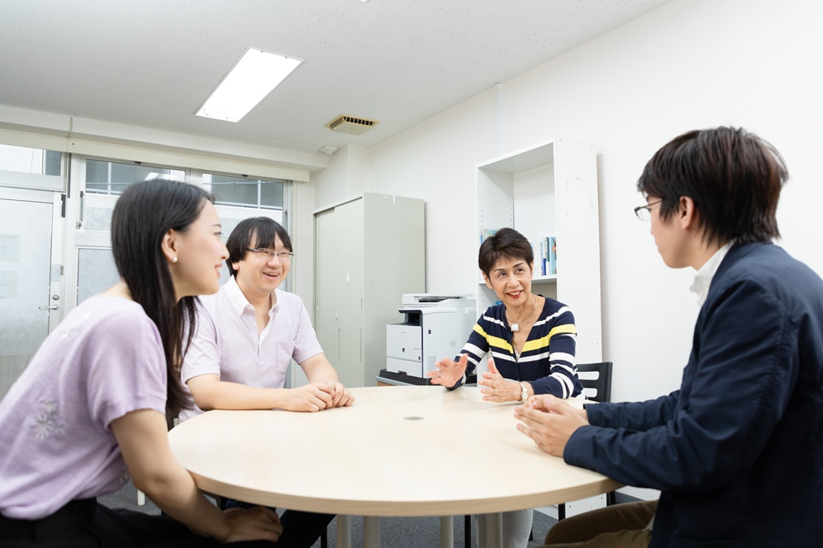 キズキ共育塾:教室運営スタッフと各講師とのコミュニケーションも大切にしている