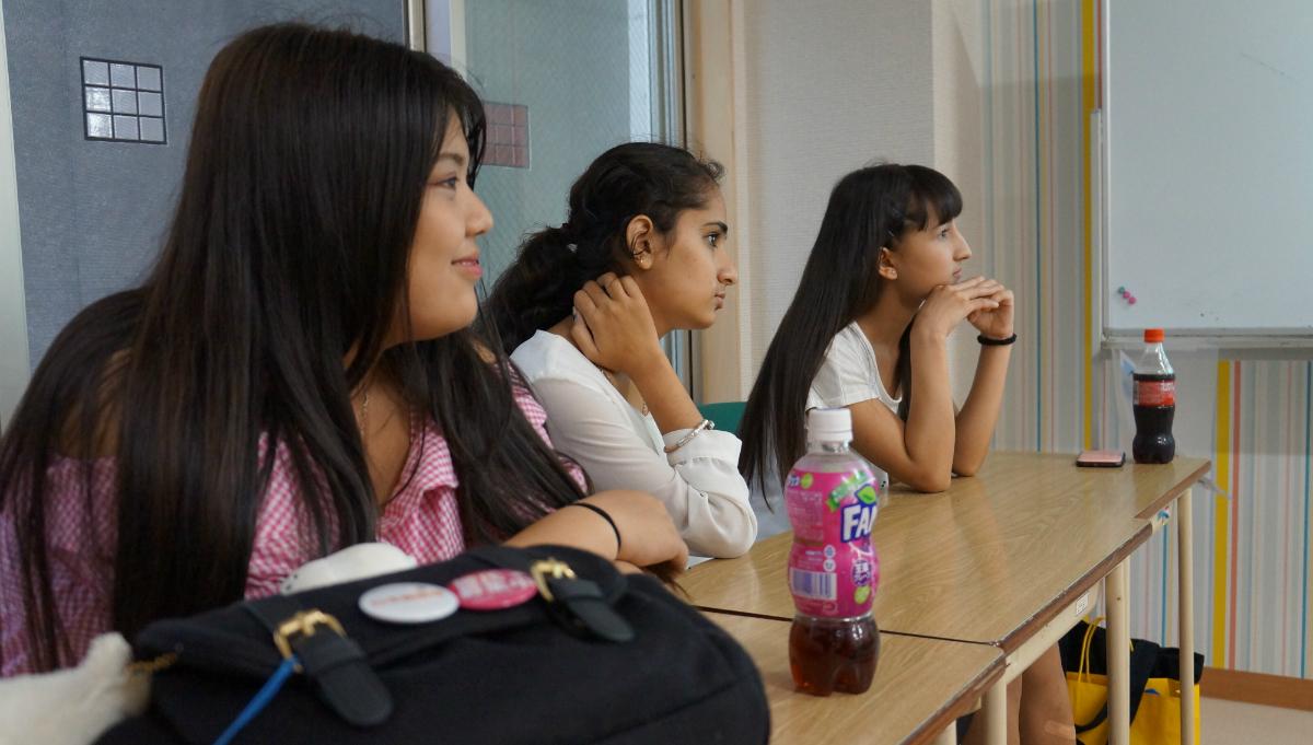 海外にルーツを持つ子どもと若者を支援するYSCグローバル・スクールでの一コマ