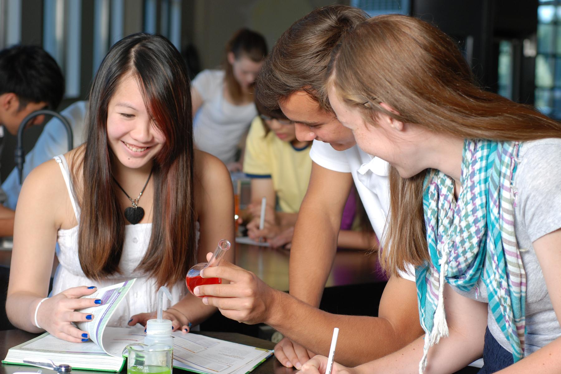 カナダBC州サレー市教育委員会:カナダの学校教育
