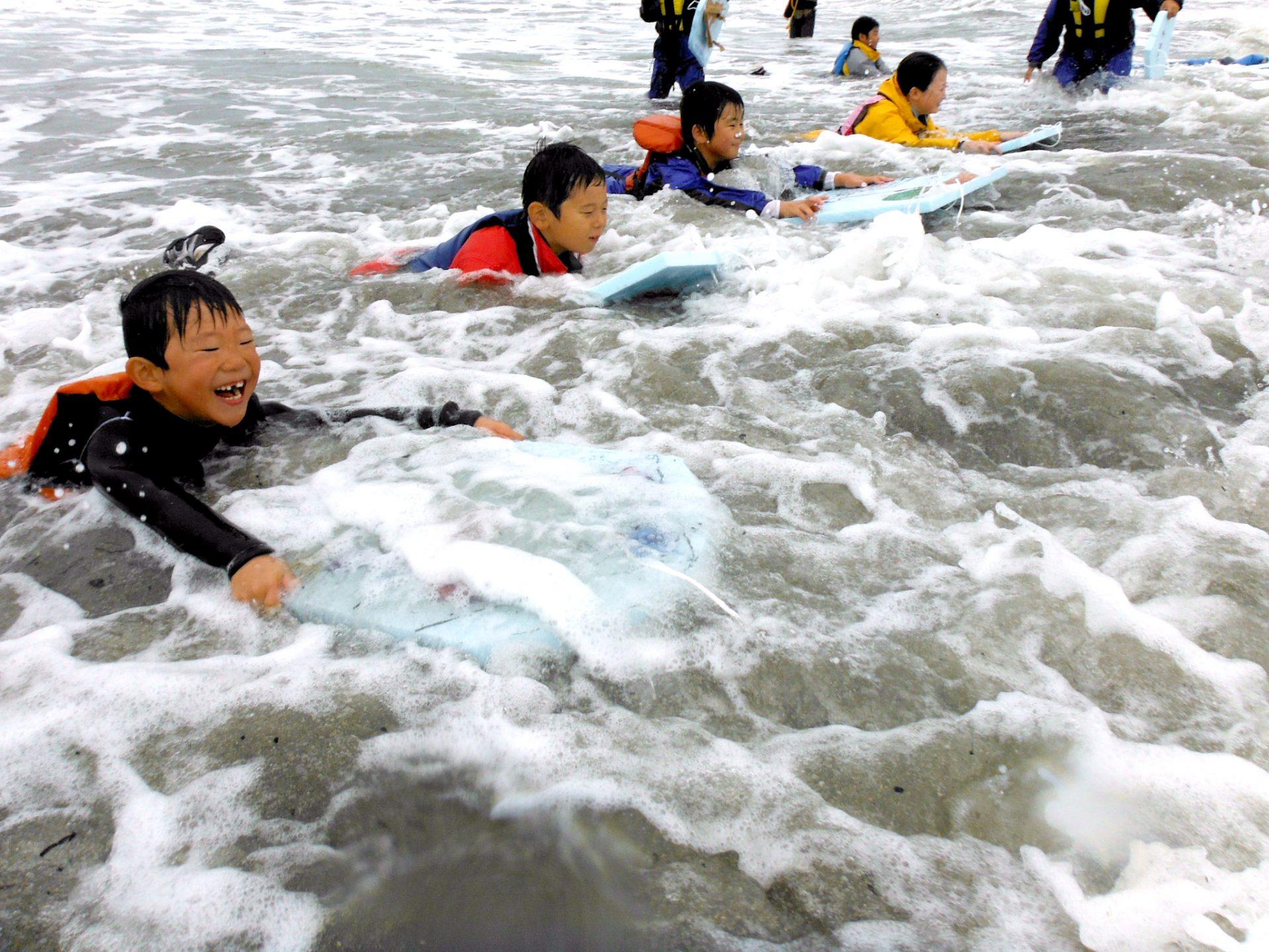 子どもサマーキャンプ:海水浴