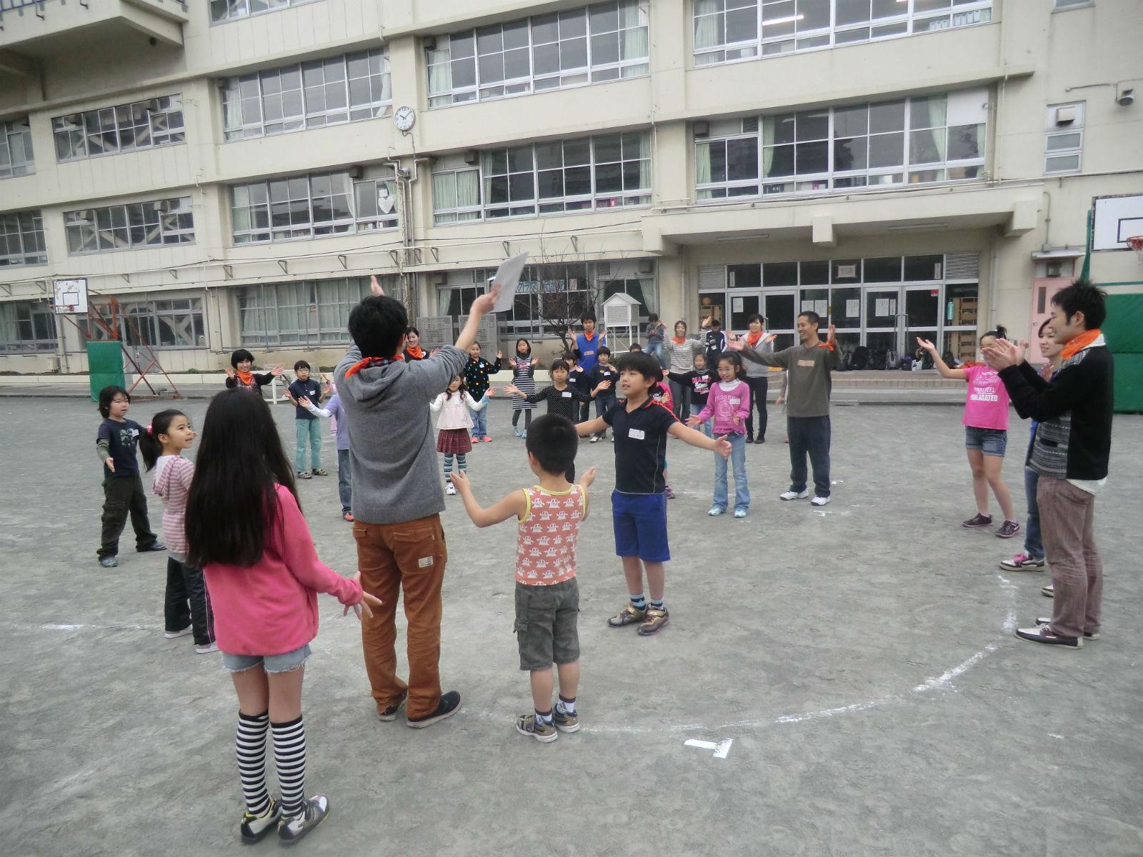 土曜日に学校で行われているウィークエンドスクールでの活動の様子